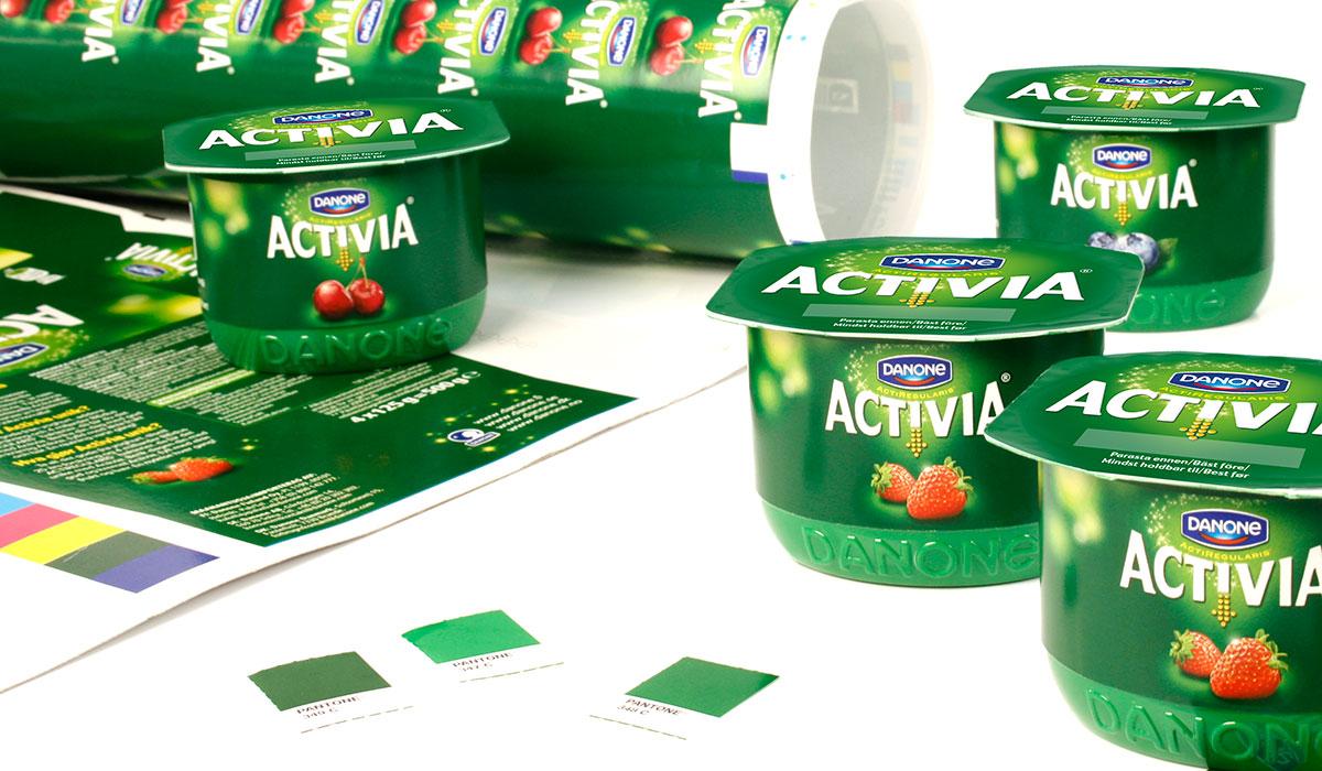 Activia pakkausten aineistotuotanto ja värinhallinta